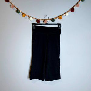 Lucy black athletic crops